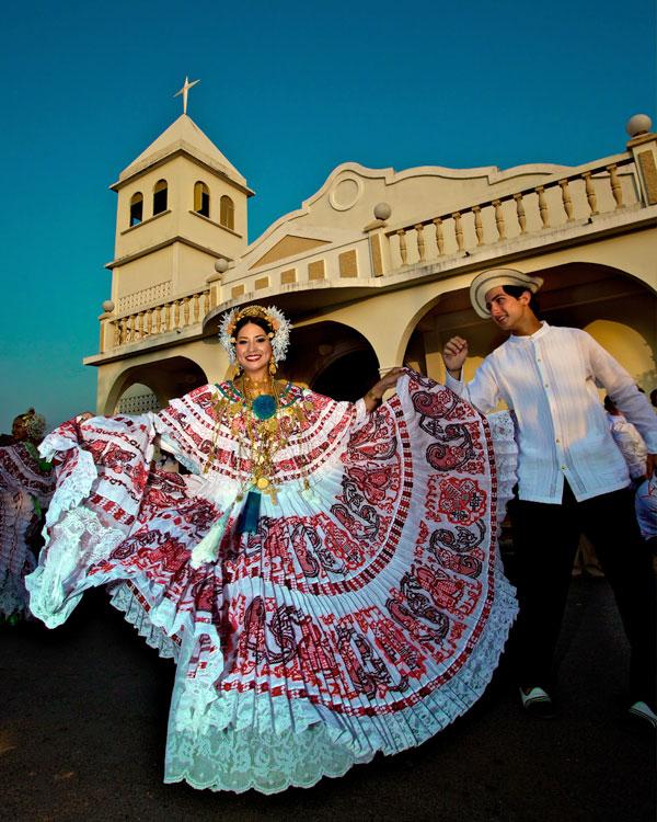 la culture panaméenne et la Pollera
